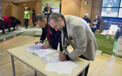 Fuderetica y el Centro Residencial para Personas Mayores Ntra. Sra. del Perpetuo Socorro firman un convenio.